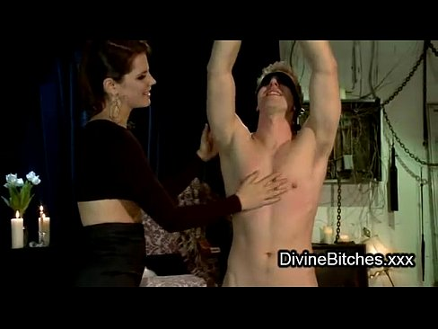 Muscle gagging domina sexy
