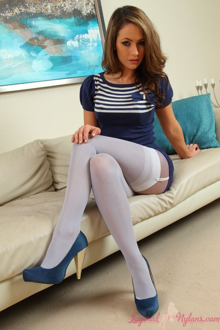 brunette nylon girlfriend Subway