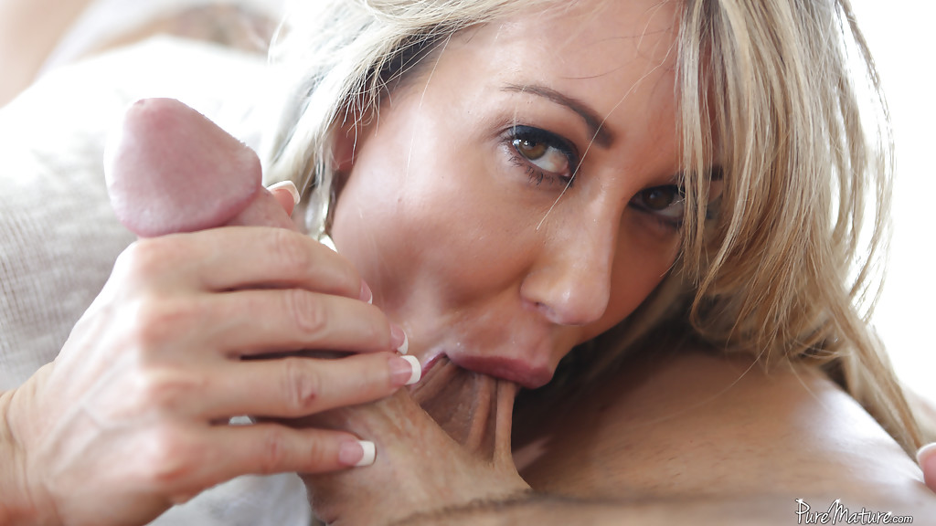 Top Porn Images First time pounded nude tribbing
