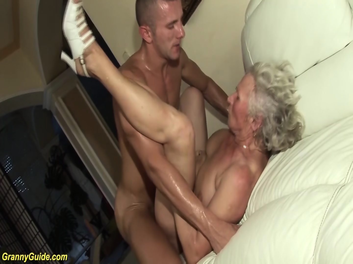 29 New Sex Pics Squirt grannies licking pantyhose