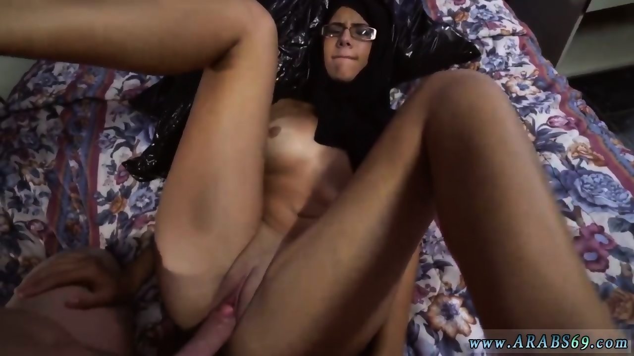 Tietje recommend Milf wanking cock sucking big nipples