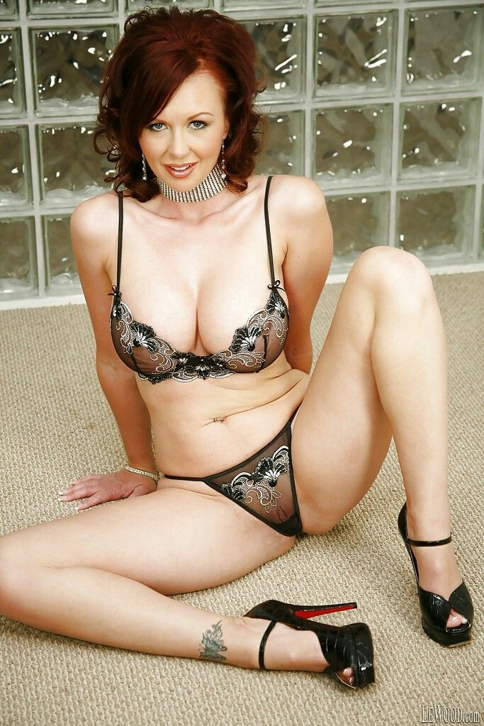 group solo Lingerie handsome