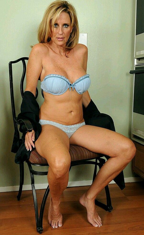 Porn archive Lingerie femdom drunk sexy
