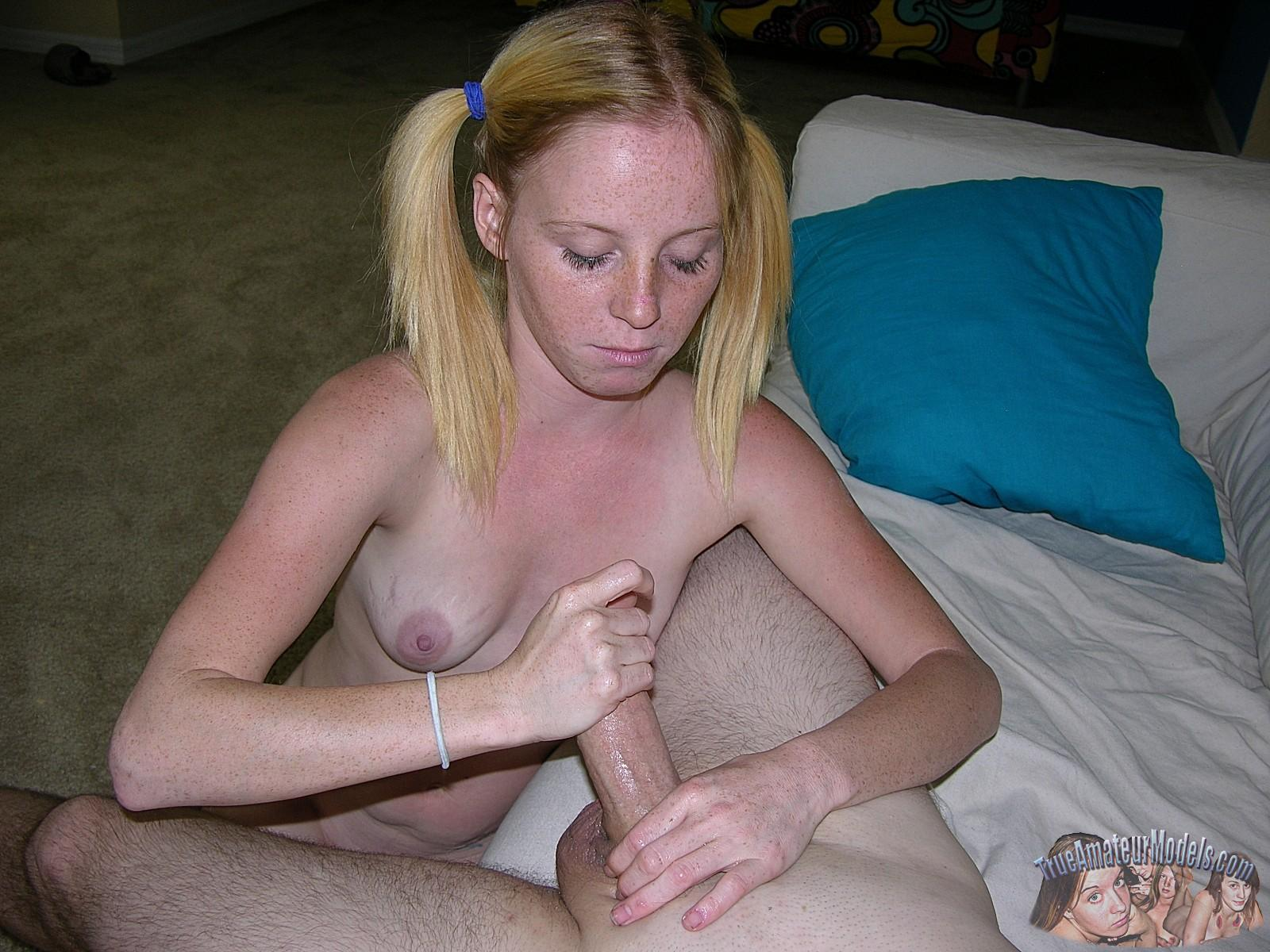 Erotic Pictures Toys fisting pissing pussy