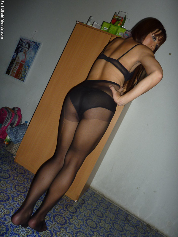 Erotic Pix Exhibitionist maid double blowjob shemale